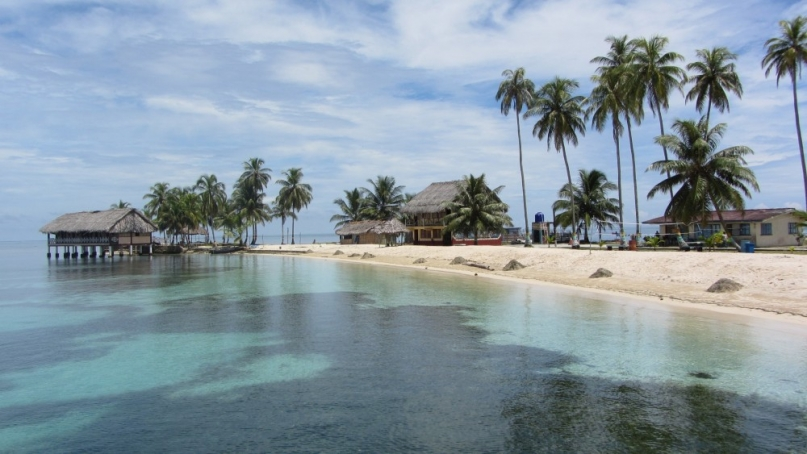 One of the thousands of San Blas Islands